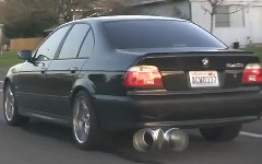 なんだこれwww BMW のマフラーを極太二股にしちゃった動画