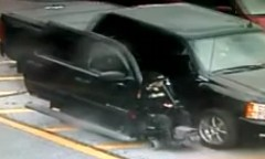車椅子を超カッコよく収納するピックアップトラックの動画