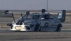 1200馬力のFF車のエンジンがサーキット走行中に燃えちゃう動画