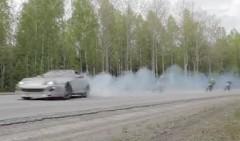 1000馬力のトヨタ スープラが公道でドリフトしちゃう動画