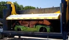 SEMA2009に出品されていたチューンド レクサス IS F と IS350C を同時にプレスしちゃう動画