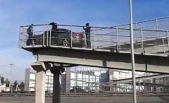 橋だと思って渡ったら歩道橋だったでござるっていう動画