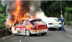 台湾のラリーでホンダ シビックがクラッシュ炎上しちゃう動画