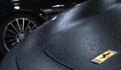 スゲー!ボディを総革張り風にしちゃったフェラーリ F430 の動画