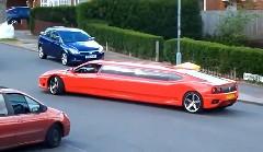 ながっ!フェラーリ 360 モデナを改造したリムジンの動画