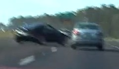 日産 フェアレディZ が高速道路で激しくスピンしちゃう動画