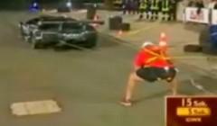 これはすごい!人間 vs ランボルギーニ 綱引き対決動画