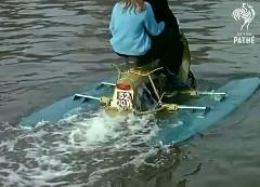 1960年代に作られた水陸両用スクーターの動画