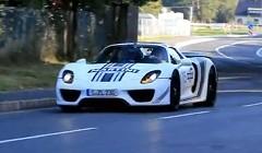 ポルシェ 918 スパイダーのテストカーが公道を走ってる動画