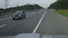 高速を逆走で爆走しちゃう動画