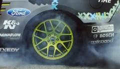タイヤがバーストする瞬間をスローモーションにしてみた動画
