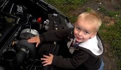 ターボに詳しい2歳の男の子の動画