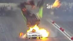 400km/h以上で走るドラッグカーのエンジンが爆発してマジびびった動画