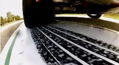 BMW M6 クーペの走行中のタイヤ拓を取ってみた動画