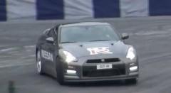 日産 R35 GT-R がドリフトしちゃう動画