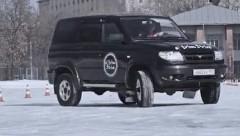 4輪駆動車が氷の上を自由自在にドリフトしちゃう動画