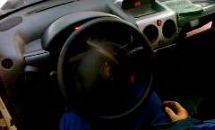 運転できそうにないステアリング