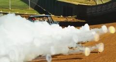 すぽぽぽぽ~ん! エンジンの白煙がファイアリングになっちゃう動画