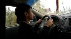 ガキが父親のインフィニティで勝手に公道ドライブしちゃう動画