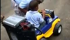 オーディオマニアがキッズカーにカーステを付けてみた動画
