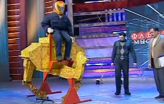 ロシアが2足歩行のリアルチョコボを開発!