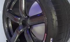 ケーニグセグ アゲーラ S の超軽量オールカーボンホイール
