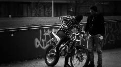 バイク練習中の初心者にありがちな動画