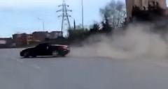 爆音 350Z ロードスターがハイウェイでドリフトしちゃう動画