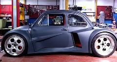 ランボルギーニのV12エンジン搭載!ものすごい変貌を遂げたフィアット500