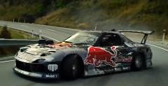 マッド・マイク 4ローター RX-7 がニュージーランドの峠を超絶ドリフトしちゃう動画