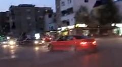 交差点のど真ん中でドーナツターンを始める大迷惑な BMW M3