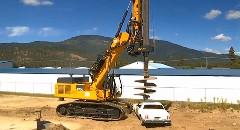 掘削用の巨大ドリルで車を貫いてみた動画