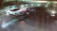 ガラガラの駐車場で女にスープラを当て逃げされちゃう動画
