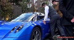 1億円以上もする超高級車パガーニ ウアイラのガルウイングが閉まらなくなっちゃった動画