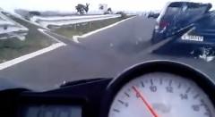 ヤマハ R6 vs オペル アストラ ターボ 公道加速対決動画