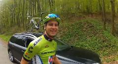 ペーター・サガン流 自転車をカッコよく屋根積みする方法