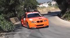アグレッシブな走りを魅せる BMW M3 のヒルクライム動画