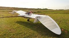浮いたー!メーヴェのような夢の一人乗り飛行機のテスト飛行動画