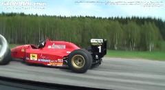 400馬力フォーミュラマシン vs 800馬力フォード GT 加速対決動画