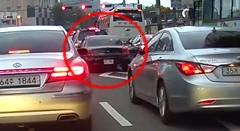 車が急発進したためパニクって何度もぶつけちゃう動画