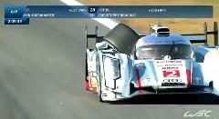 アウディのレーシングカー「やべっタイヤ外れた!よし、ピットまで運ぼう」