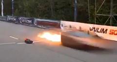 はえー!2005馬力のランボルギーニ ガヤルド 1マイルを402km/hで走り燃え尽きちゃう動画