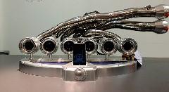 フェラーリのエキマニを使った世界一美しいiPhone用ドッグ