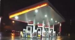 ガソリンスタンドで起こったまさかのアクシデント動画