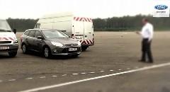 これでドアパンチともおさらば?フォードが開発中のリモート駐車システムの動画