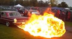 もはや火炎放射機!ヨガフレイムなカスタムカーがスゴイ!っていう動画