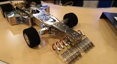ハードディスクから作られたF1マシンがカッコイイ!っていう動画