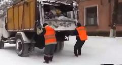 ロシアのゴミ収集車がとっても楽しそうな動画