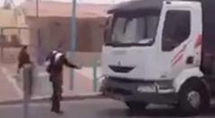 面倒くさい奴にからまれちゃったトラックの運ちゃん