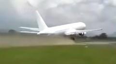 短距離で離陸しちゃうボーイング767 の動画